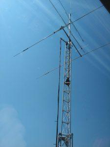 Thuis zit de FB23 beam weer in de mast